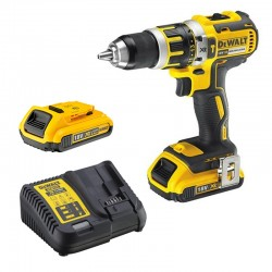 Perceuse/Visseuse à percussion XR 18V + 2 Accus DCD795D2 DeWalt